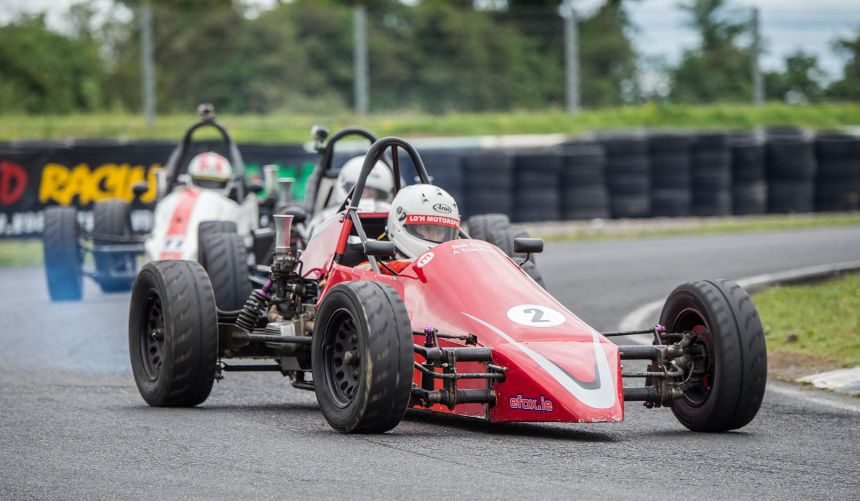 An on form Dan Polley took another Vee win to further increase his championship lead.